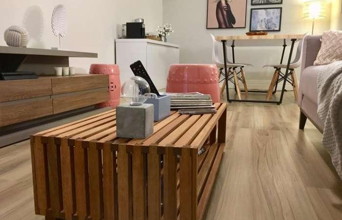 Mesa de centro de madeira maciça Dominoes